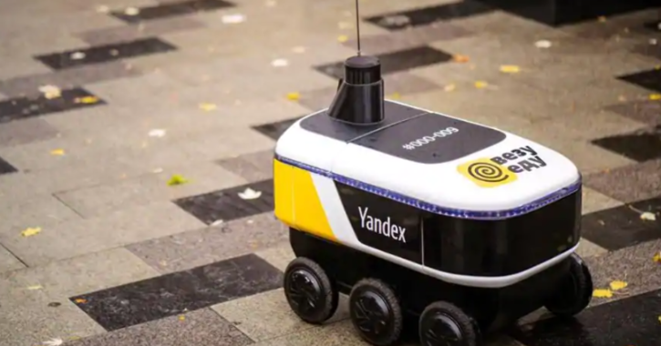 Russia's Yandex has started using its self-driving robot to deliver fast food orders, the company announced Wednesday.