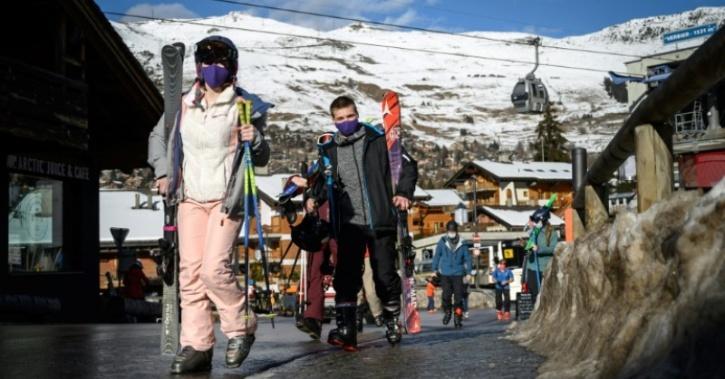 British tourists flee resort