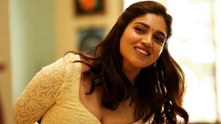 Bhumi Pednekar in Dolly Kitty Aur Woh Chamakte Sitare / Netflix India