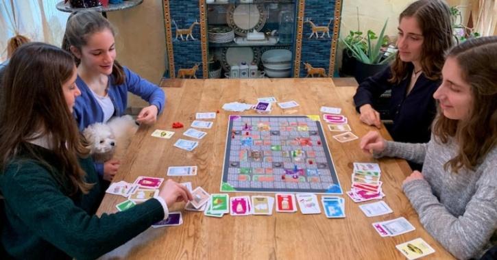 german-sisters-covid-game-5fe46fe17913b