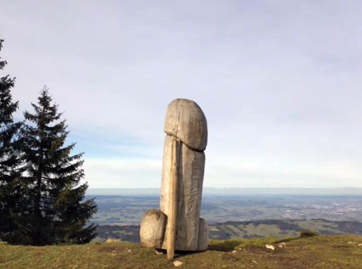 Giant penis sculpture missing in Germany