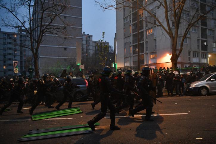 violence-paris-5fccade9190f1