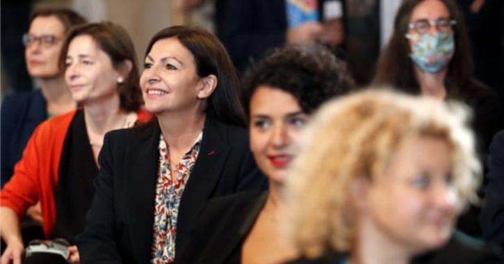 women-paris-senior-roles-5fd9db61c542c
