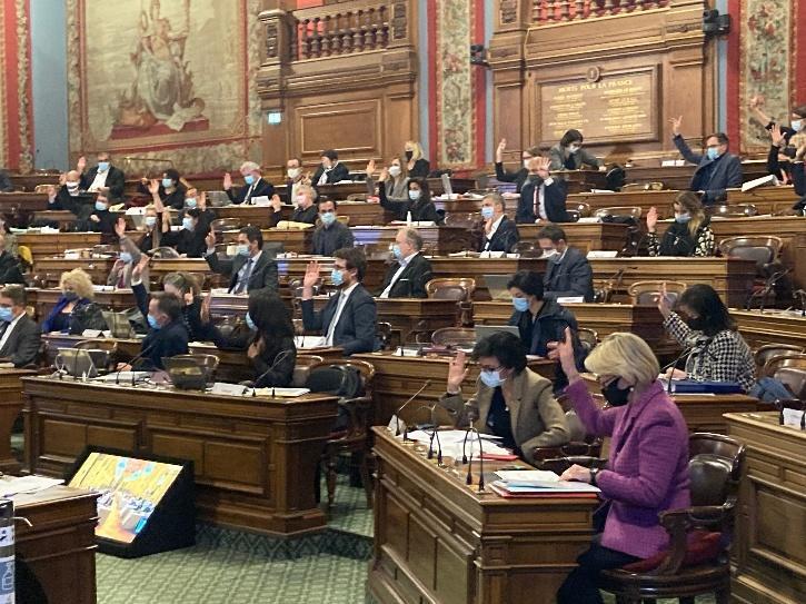mayor-paris-fined-women-5fd9dbe213443