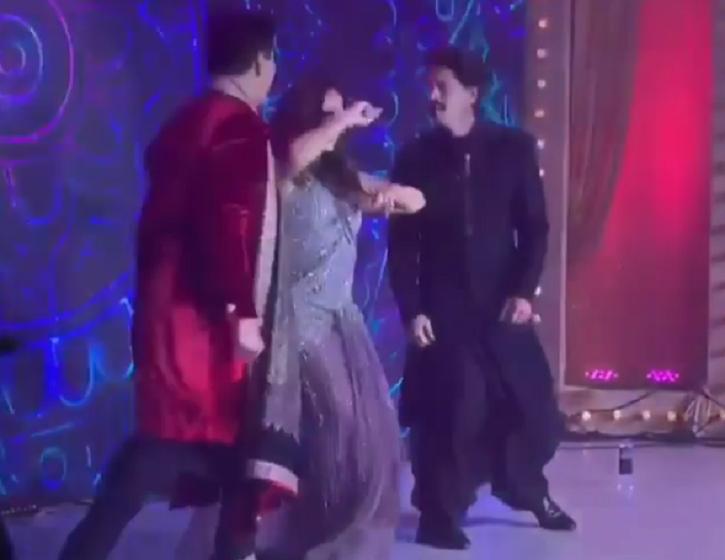 Kajra Re To Sadi Galli, Shah rukh khan & Gauri dance At Armaan Jain