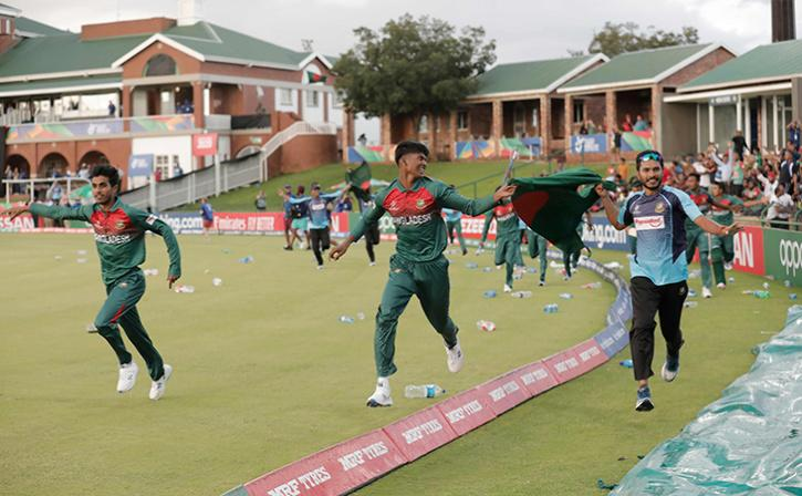 Bangladesh U-19 Players Win Hearts By Picking Up Litter During Lap Of Honour