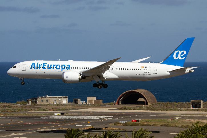 air 5e4510d1c678a - Air Europa Flight Passengers Vomit & Get Panic Attacks As Landing Attempt Fails At Amsterdam Airport
