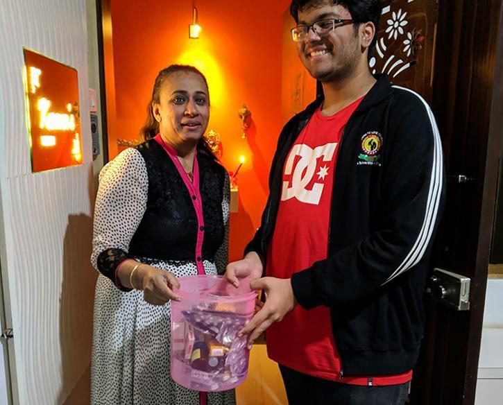 Student Creates Medicine Bank To Distribute Medicines Among Needy