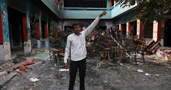 Mob Used Ropes To Climb Down School & Wreak Havoc