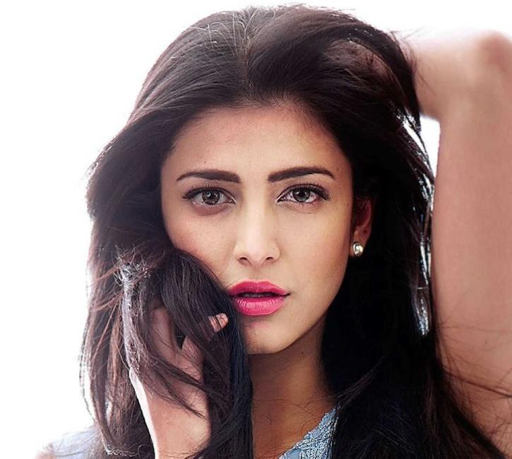 Unlike Other Celebs, Shruti Haasan Admits To Have Gone Under The Knife, Calls It Her Choice