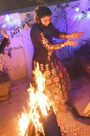 Bollywood Celebs Extend Lohri Wishes To Their Fans
