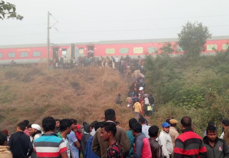Lokmanya Tilak Express Derail