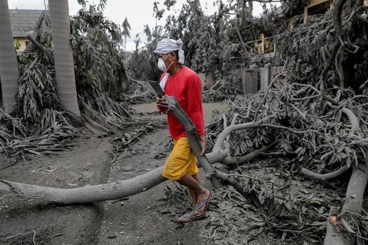 The past few years has seen climate change show its impact on our planet earth. Australian bushfires, rise in temperatures and melting of glciers, all of these can be attributed to climate change. In yet another incident in Philippine Volcano that ruin th