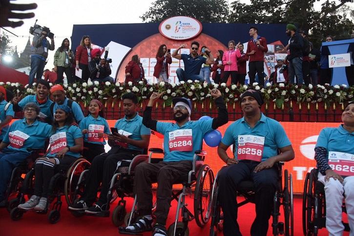 Tiger Shroff and Celebs Participate In Mumbai Marathon & Raise Environmental Issues