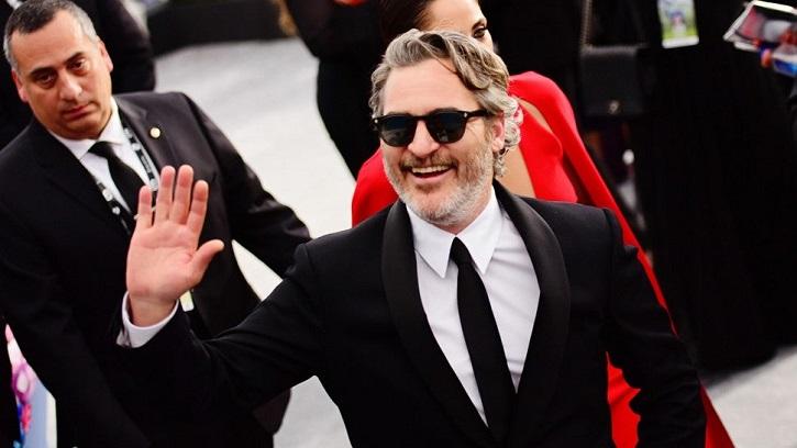 Joaquin Phoenix Dedicates His SAG Award To