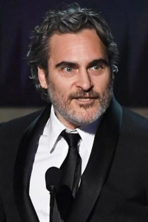 Joaquin Phoenix Dedicates His SAG Award To Heath Ledger, Saif Gets Trolled & More From Ent
