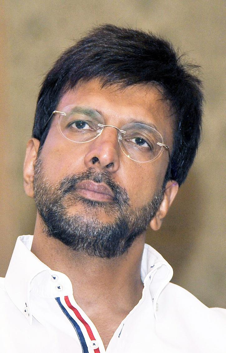 Javed Jaffery Gave A Savage Reply To Troll Who Called Him