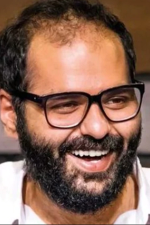Kunal Kamra Confronts Arnab Goswami Yet Again On A Flight, Was Asked To