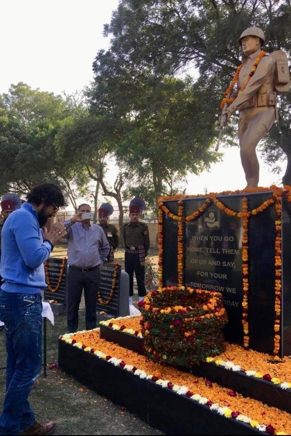 Bollywood Stars Salute The Courage & Sacrifice Of Soldiers On Army Day, Celebrate Their Valour