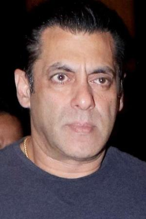 NSUI Wants Salman Khan Banned From Goa After Video Of Him Snatching Phone From A Fan Goes Viral