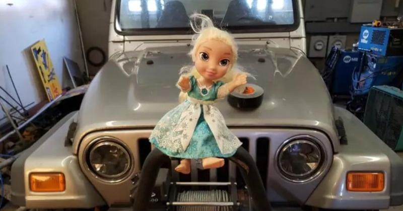 Family Freaks Out After They Abandon Haunted Elsa Doll & It Magically Comes Back To Them Twice