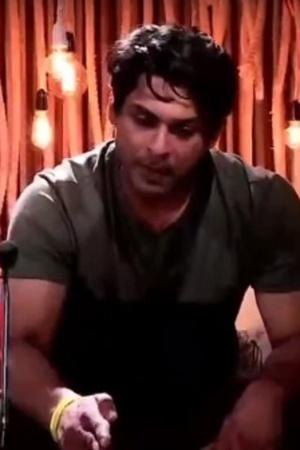 Tired Of Fighting With Asim, Sidharth Shukla Wants To Quit Bigg Boss 13 & Fans Are Divided