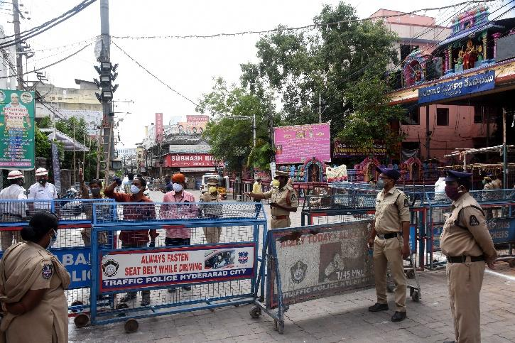 Oxygen Cylinder, Oxygen Cylinder Price, Oxygen Cylinder Cost, Oxygen Cylinder Blackmarket, Hyderabad Police