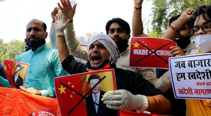 People protesting to promote Chinese Products boycott in India