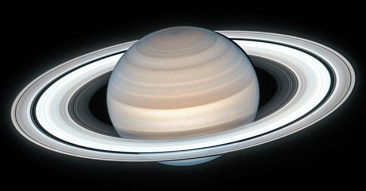 saturn rings image from NASA hubble space telescope