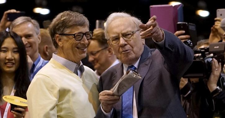 Warren Buffett donates to Bill And Melinda Gates Foundation