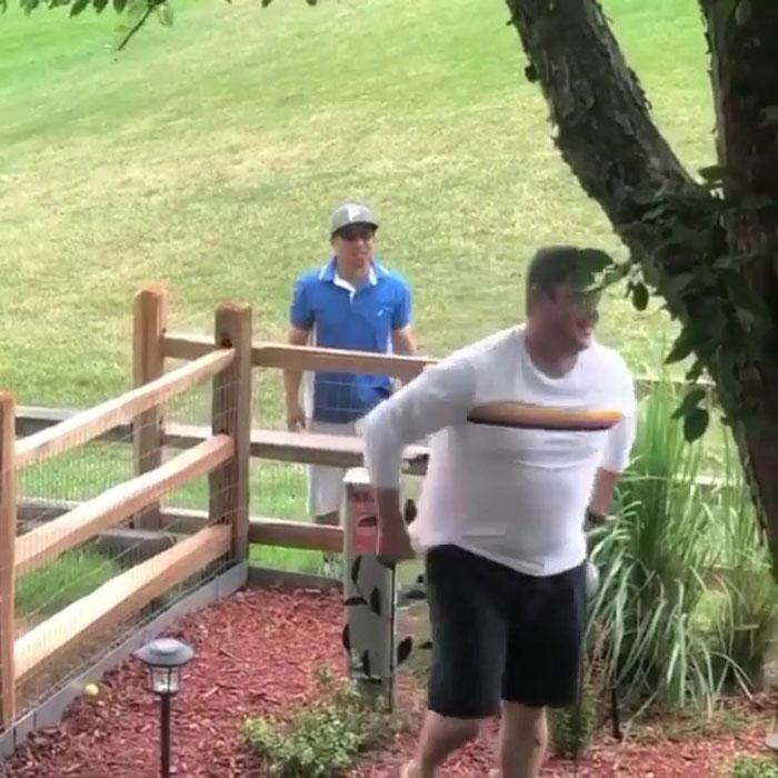 dad pranks golfer for fun