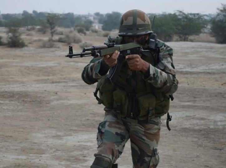 indian army with assault rifle