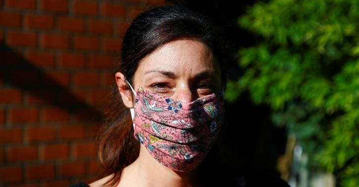 face mask helps keep COVID-19 away