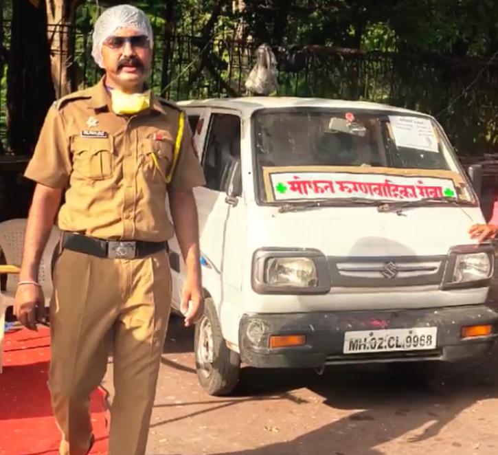 mumbai cop turns car into ambulance