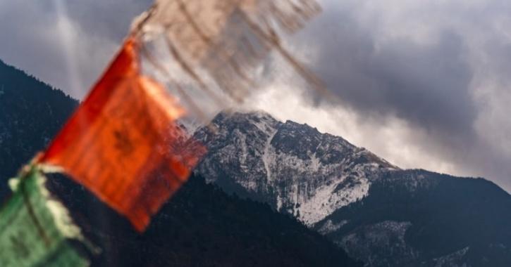 nepal himalayan peak