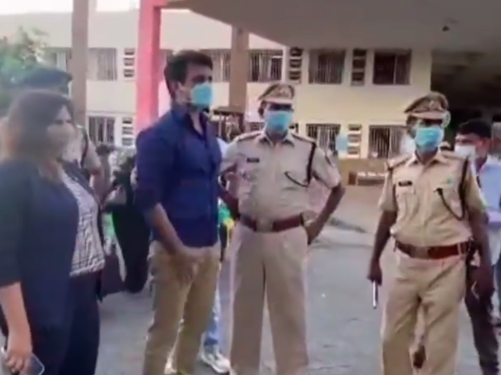 Sonu Sood Continues To Send Migrants Back Home,  Bids Goodbye To 2200 Workers Returning To UP