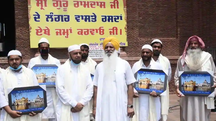 Amritsar Muslims donate wheat for langar