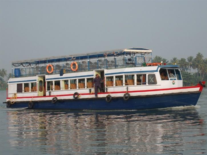 Kerala Water Transport Department Plies 70-Seat Boat To Help 17-YO ...