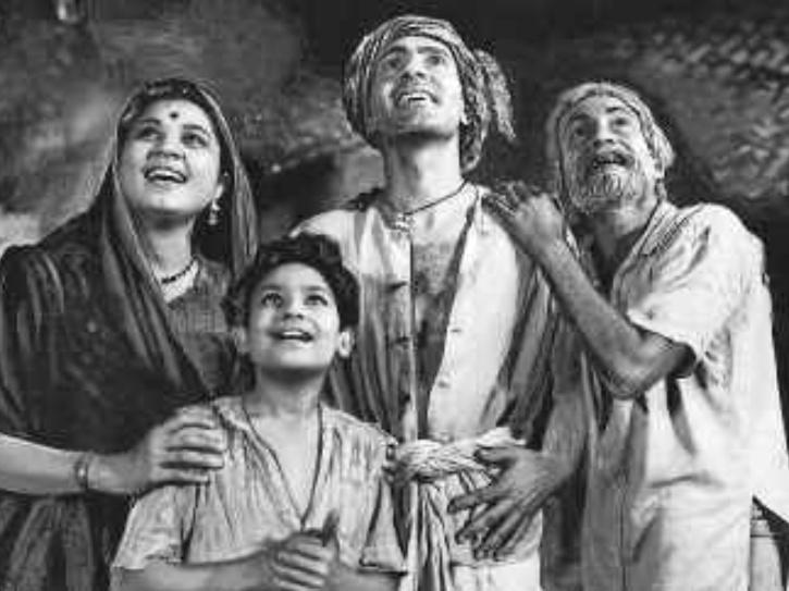 hindi best black and white movies: Do Bigha Zamin