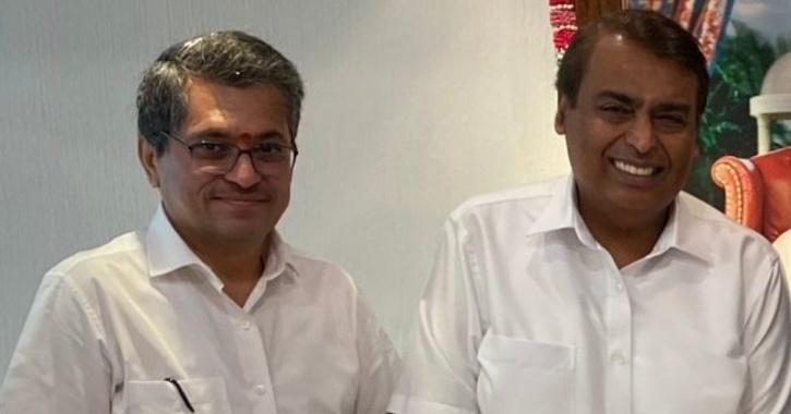 Manoj Modi with Mukesh Ambani