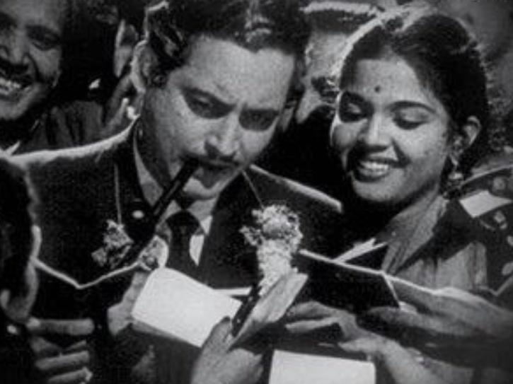 hindi best black and white movies: Kaagaz ke Phool
