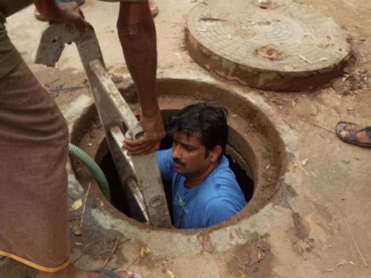 manhole-5ef4870b1469e