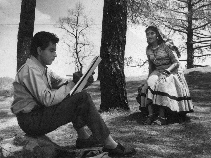 hindi best black and white movies: Madhumati