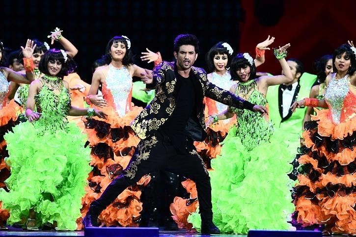 sushant singh rajput had also joined Shiamak Davar's dance group