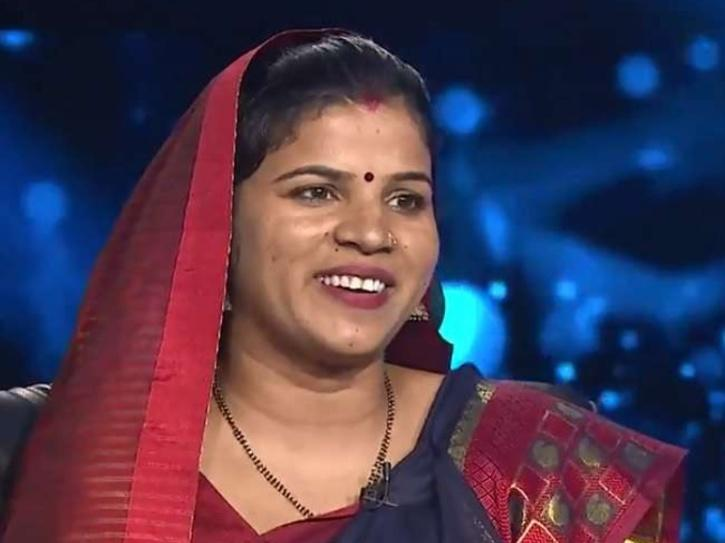 Usha Yadav, Who Impressed Big B With Her Wit & Won Rs 25 Lakhs On KBC, Is Now A School Teacher