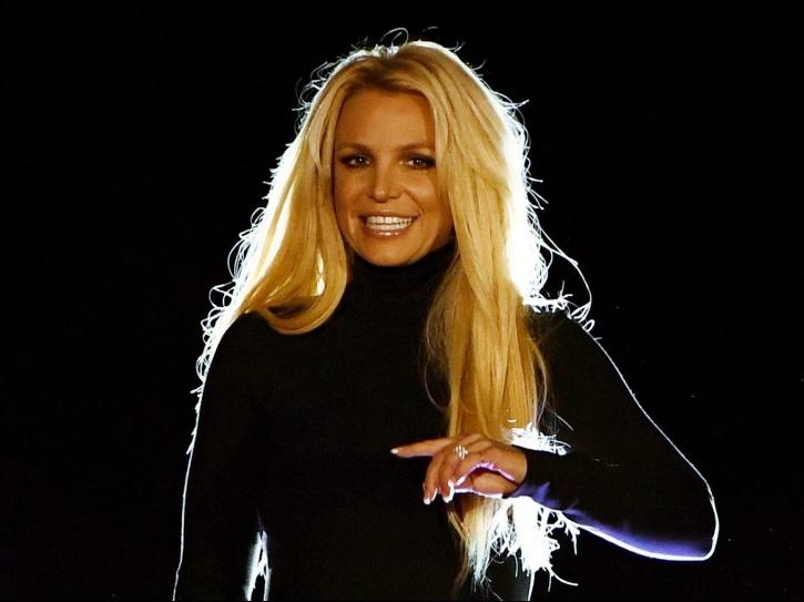 Britney Spears Calls For Wealth Redistribution To Fight Coronavirus And Fans Are Having A Meltdown