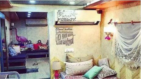 These 7 Bollywood stars vanity van is no less than a 5 star hotel