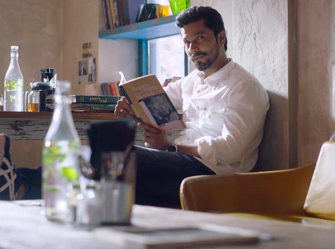 Randeep Hooda in Love Aaj Kal.
