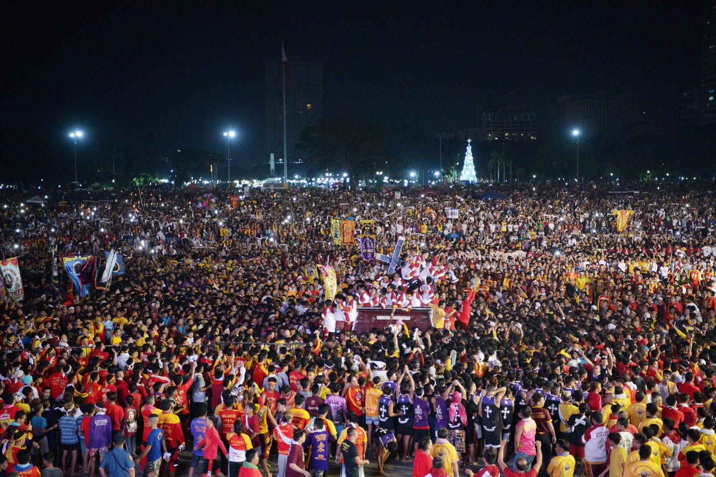 Manila crowd