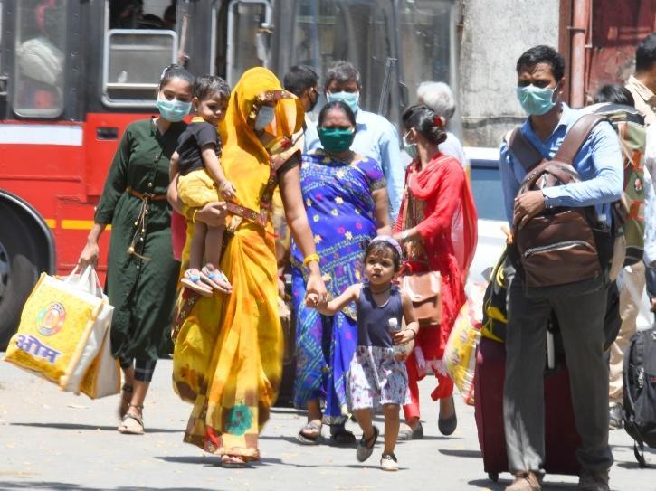 Inspired By Sonu Sood, Jalandhar-Based Businessman Helps In Sending 800 Migrant Workers Home